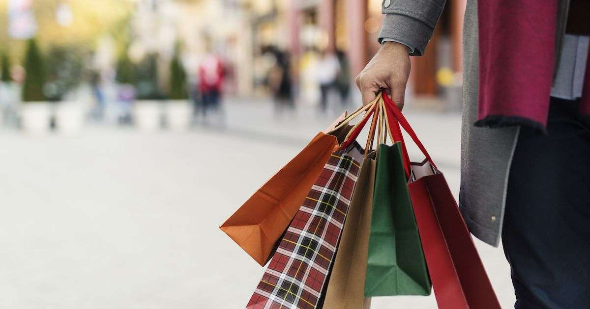 Creating a Seamless Offline/Online Customer Experience This Holiday Season