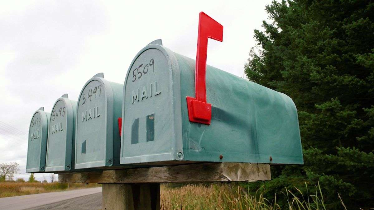 How to Take Advantage of Direct Mail Postcards for Holiday and End of Year Marketing